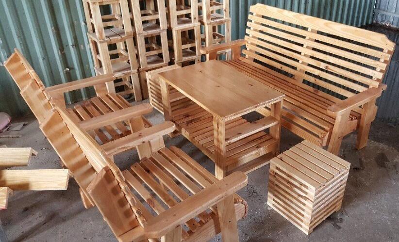 Bộ bàn ghế sofa gỗ gia đình 01